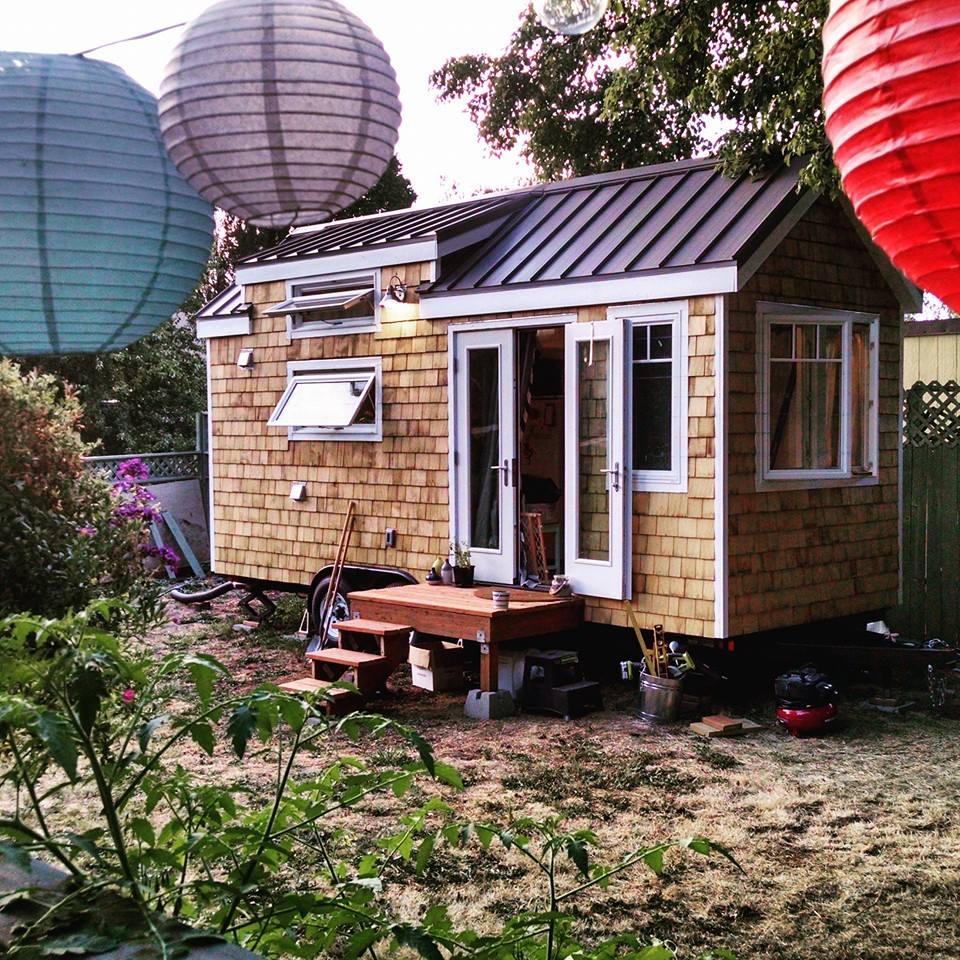 artisan-tiny-house-entry